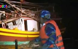 Cứu hộ tàu cá gặp nạn trên biển Quảng Bình