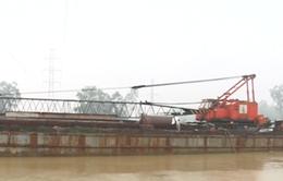 Quảng Nam cứu nạn sà lan 400 tấn, trôi tự do trên sông Tam Kỳ