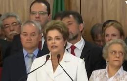 Cựu Tổng thống Brazil tiếp tục chối bỏ các cáo buộc sau khi bị đình chỉ