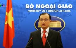 Việt Nam phản đối Trung Quốc bay thử nghiệm ra đá Chữ Thập