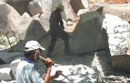 Phú Yên: Chưa quản lý được tình trạng khai thác đá chẻ trái phép