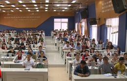 Sinh viên phản ứng với chi phí dự lễ tốt nghiệp... 900.000 đồng