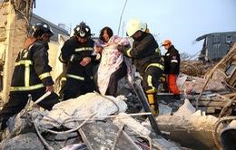 Động đất tại Đài Loan: Cứu sống 2 người Việt trong đống đổ nát
