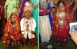 Đám cưới của cặp đôi có chiều cao siêu lùn