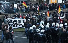 2.000 người biểu tình phản đối bạo lực phụ nữ tại TP Cologne, Đức