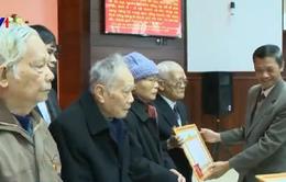 Trao tặng huy hiệu Đảng cho Đảng viên tại Huế