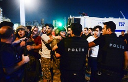 Thổ Nhĩ Kỳ sa thải 8.000 cảnh sát sau vụ đảo chính