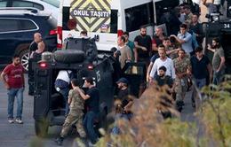 Thổ Nhĩ Kỳ: Khoảng 50 binh sĩ tham gia đảo chính đầu hàng