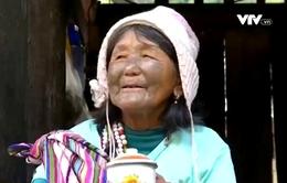 Tục xăm hình trên mặt dần mai một tại tỉnh Vân Nam, Trung Quốc