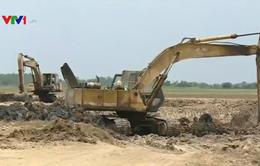 Khai thác đất mặt ruộng: Lợi bất cập hại