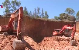 Ồ ạt khai thác đất trái phép tại Quảng Ngãi