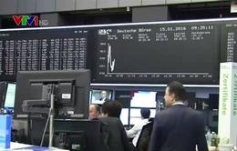 Giá dầu thô thế giới tiếp tục giảm