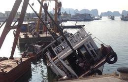 Quảng Ninh: Tàu du lịch tự chìm tại cảng Tuần Châu