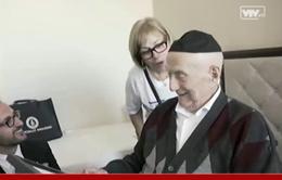 Cụ ông 112 tuổi được xác nhận già nhất thế giới