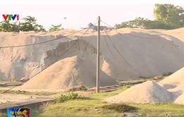 Vĩnh Phúc: Bãi vật liệu xây dựng xâm lấn hành lang bảo vệ đê