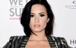 Không thể rời xa mạng xã hội, Demi Lovato trở lại sau 24 giờ