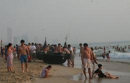 Giải cứu hơn 30 sinh viên gặp nạn khi tắm biển tại Thanh Hóa