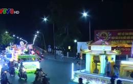 Huế: Diễu hành xe hoa chào mừng Đại lễ Phật đản Phật lịch 2560