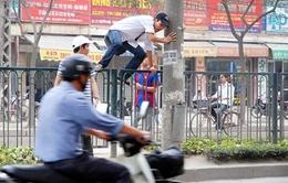 Hà Nội: Hơn 500 người đi bộ vi phạm bị xử lý
