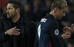 """Diego Simeone """"chán chẳng buồn nói"""" về thẻ đỏ của Torres"""