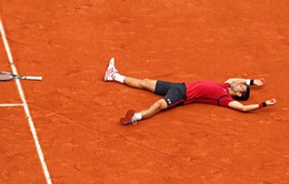 Làng banh nỉ ngả mũ trước chức vô địch Roland Garros lịch sử của Djokovic