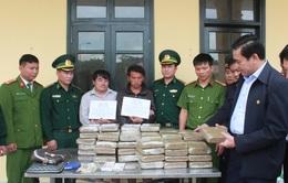 Bắt giữ 2 đối tượng người Lào vận chuyển 60kg cần sa về Việt Nam