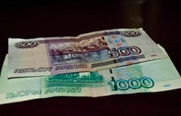 Đồng Ruble Nga tiếp tục lao dốc