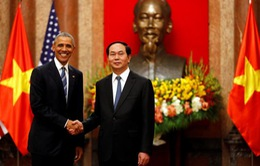 Truyền thông quốc tế đưa tin về việc Hoa Kỳ dỡ bỏ hoàn toàn lệnh cấm vận vũ khí với Việt Nam