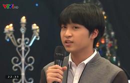 Con trai Thanh Lam tình cảm đệm đàn cho mẹ hát