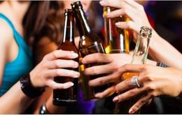 Anh: Một nửa phụ huynh cho phép con uống rượu ở tuổi 14