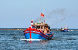 Cứu hộ thành công tàu cá bị gãy chân vịt trên vùng biển Trường Sa