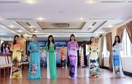 Người đẹp Hoa hậu Biển tự tin trình diễn áo dài