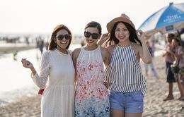 Thúy Vân đẹp rạng ngời, đọ sắc với Hoa hậu Thái Lan và Singapore