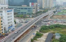 Cầu vượt Hoàng Minh Giám - Nguyễn Chánh chính thức thông xe