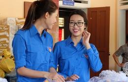 Hoa hậu Mỹ Linh, Á hậu Thanh Tú vận động quyên góp 330 triệu cho đồng bào lũ lụt