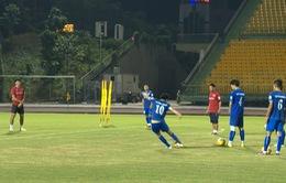 ĐT Việt Nam và CLB Avispa Fukuoka có buổi tập đầu tiên tại Cần Thơ