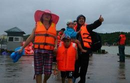 Thời tiết xấu, gần 40 du khách tại đảo Lý Sơn chưa thể vào đất liền