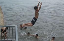 Cảnh báo tình trạng đuối nước do tắm sông ở miền Trung