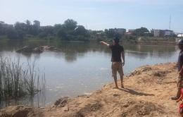 Ninh Thuận: Sảy chân dưới sông, 3 em nhỏ đuối nước thương tâm
