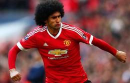 """Man Utd bất ngờ gia hạn hợp đồng với """"tội đồ"""" Fellaini"""