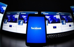"""Facebook """"hốt bạc"""" nhờ quảng cáo trên điện thoại di động"""
