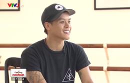 """John Huy Trần: Từ người gom rác thành GK """"So you think you can dance"""""""