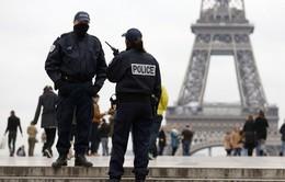 Pháp siết chặt quy định chống tài trợ khủng bố