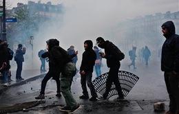 Biểu tình phản đối sửa đổi Luật Lao động tại Pháp trở thành bạo động