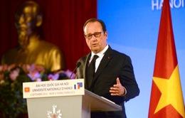 Tổng thống Pháp nói chuyện với sinh viên Việt Nam