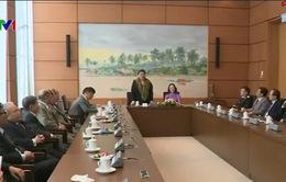PCTQH Tòng Thị Phóng gặp mặt Đoàn đại biểu Quốc hội TP Hải Phòng các khóa