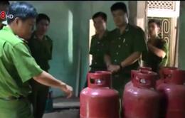 TT-Huế: Phát hiện một cơ sở tàng trữ hàng trăm bình gas trái phép