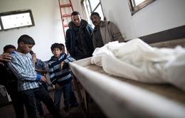 Israel không kích dải Gaza, 2 em bé thiệt mạng