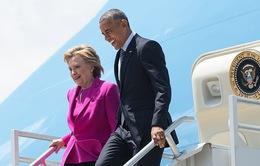 Bà Hillary Clinton đi Không lực 1 vận động tranh cử làm dậy sóng nước Mỹ