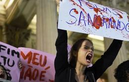 Brazil: Hàng nghìn phụ nữ biểu tình phản đối nạn bạo lực phụ nữ